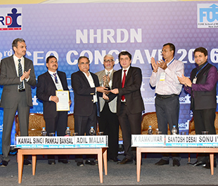"BPCL C&MD Shri. S Varadarajan, receives NHRDN ""People CEO Award"" 2015-16"